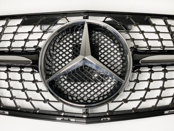Решетка радиатора Mercedes Benz W204 diamond