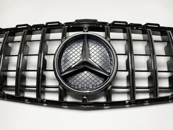 Решетка радиатора Mercedes Benz W205 GT