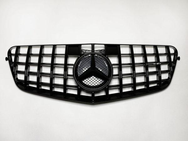 Решетка радиатора Mercedes Benz E W212 GT черная