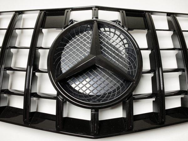 Решетка радиатора Mercedes Benz W212 GT черная