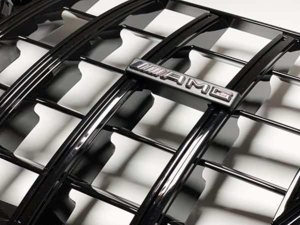 Решетка радиатора мерседес W212 GT черная