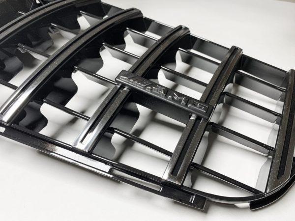 Решетка радиатора Мерседес бенз 204 GT хром