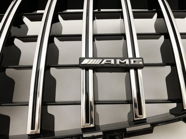 Решетка радиатора Мерседес w213 GT хром amg